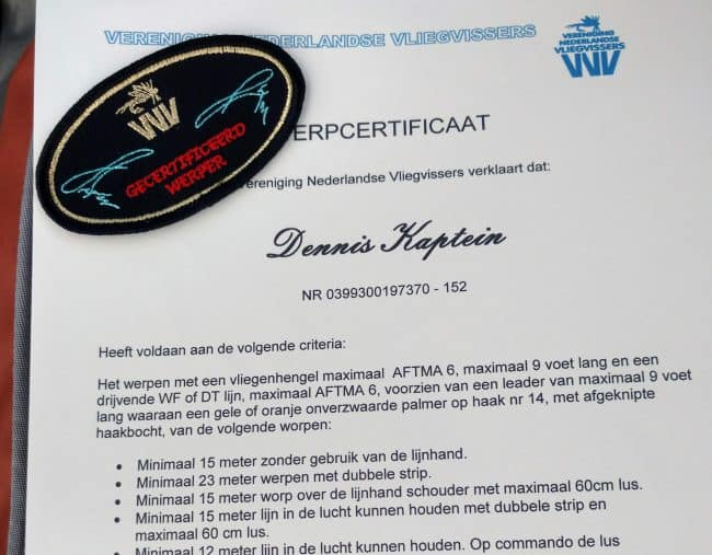 Werpen een serieuze aangelegenheid en Dennis Kaptein heeft een serieus certificaat behaald